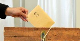 Kim Ak Parti Zeytinburnu İlçe Başkanı Olsun ?