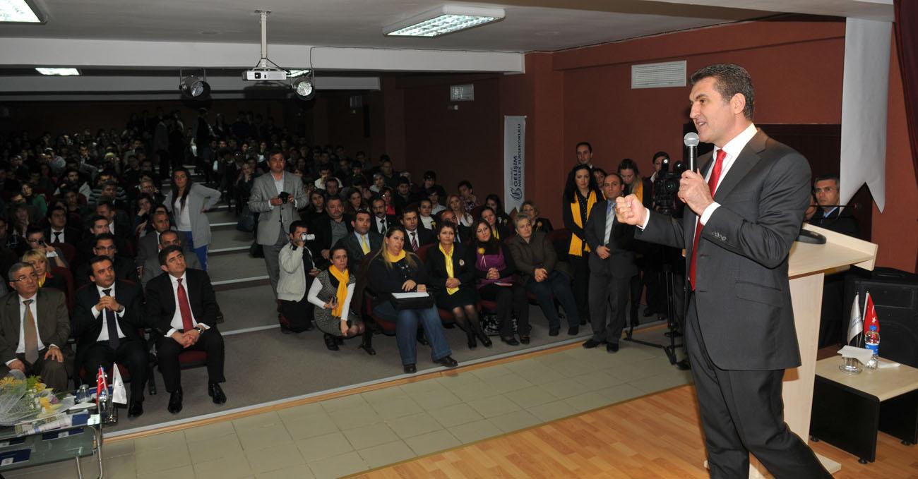 Mustafa Sarıgül gençlere seslendi