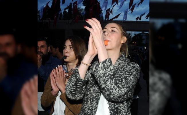 İstanbul'da 19 gösterici gözaltına alındı