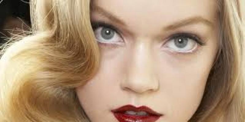 Makyajlı kadınlar kıskanılıyor