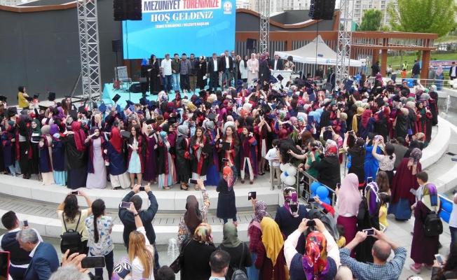 Güneşpark İHL'de ilk  mezuniyet heyecanı