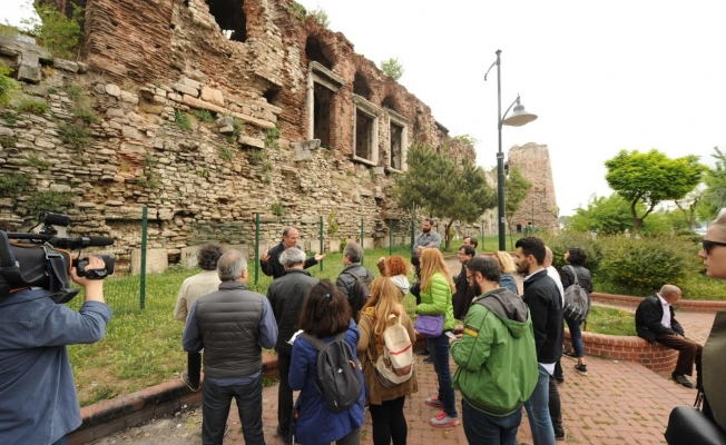 Mimarlar, İstanbul surlarını yerinde inceledi