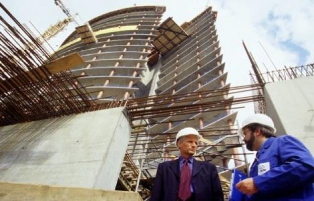 """""""Deprem ülkesi Türkiye'de inşaat sektörünün bekleme lüksü yok"""""""