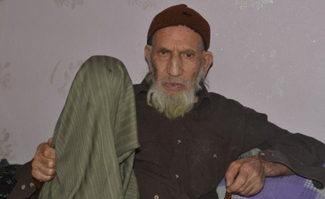 126 yaşındaki Hasan Dede ilk kez doğum günü kutladı