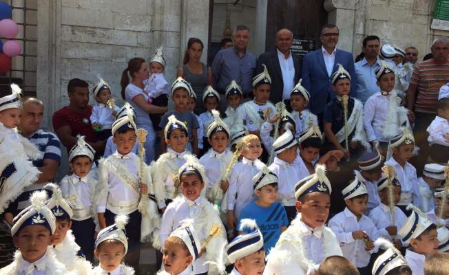 """""""Bulgaristan'da sünnet olan çocuklara Bağcılar'dan destek"""""""