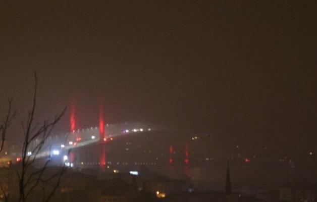 İstanbul'da yoğun sisli sabah