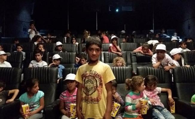 Mevsimlik işçilerin çocukları sinemayla tanıştı