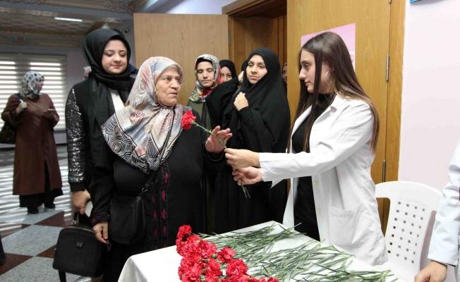 Bağcılar'da yaşlılar kansere karşı bilgilendirildi