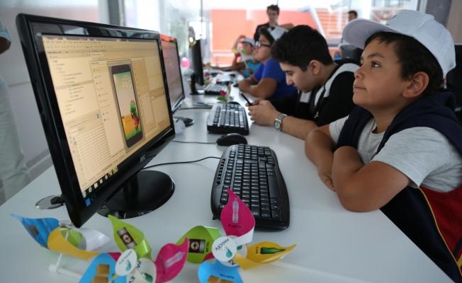 Başakşehirli çocuklar tasarladıkları oyunlarla geri dönüşümü öğreniyor