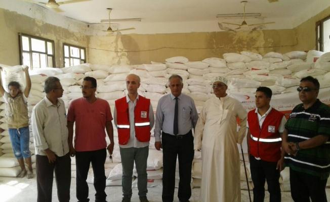 Kızılay, Yemen'deki Türk köyüne yardım götürdü