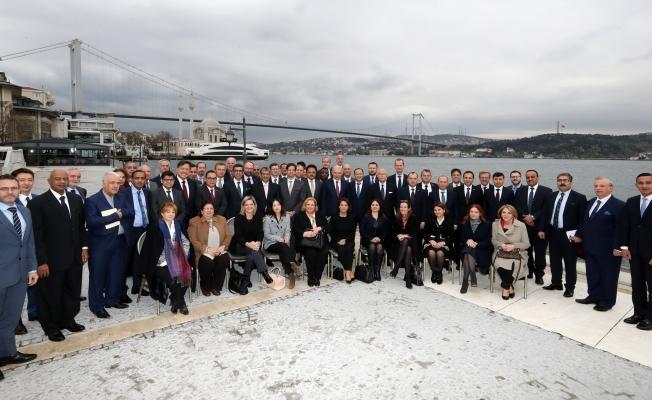 Başkan Uysal Başkonsoloslarla Bir Araya Geldi