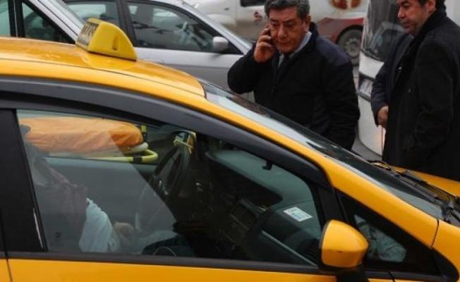 Beşiktaş'ta bir taksici aracında ölü bulundu