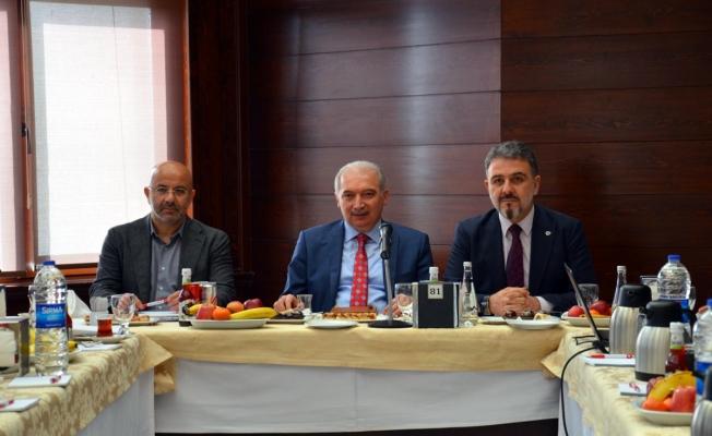Başkan Uysal Esenyurt'ta Yatırım Ve Projeleri İnceledi