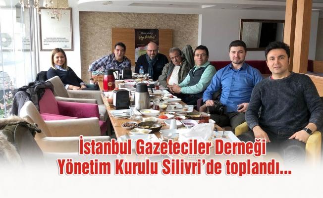 İstanbul Gazeteciler Derneği'ne yoğun katılım