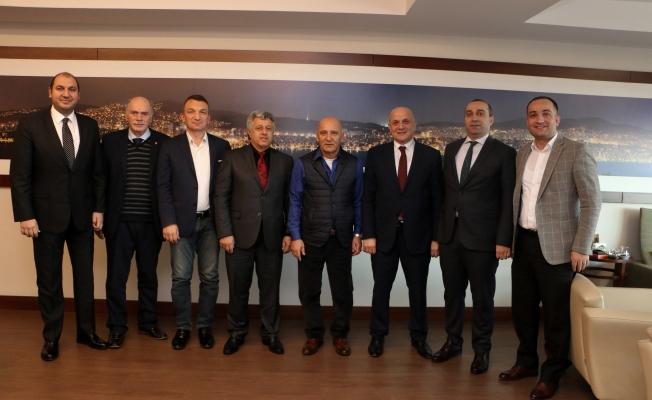 Trabzon Ve Çaykaralılar Derneği'nden Başkan Altınok Öz'e Ziyaret