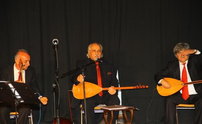 Uğur Mumcu Kültür Merkezi'nde Türkü Ziyafeti
