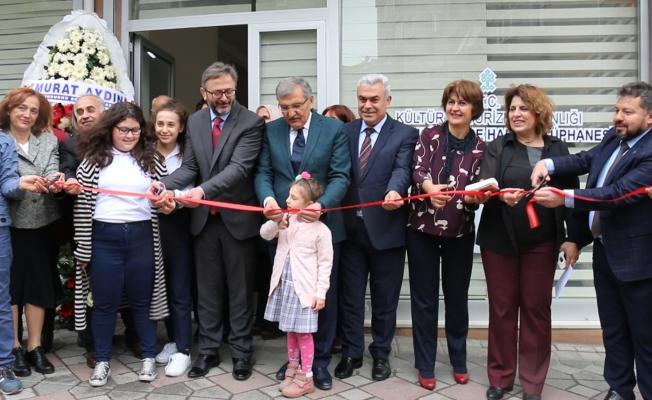 Zeytinburnu İlçe Halk Kütüphanesi açıldı