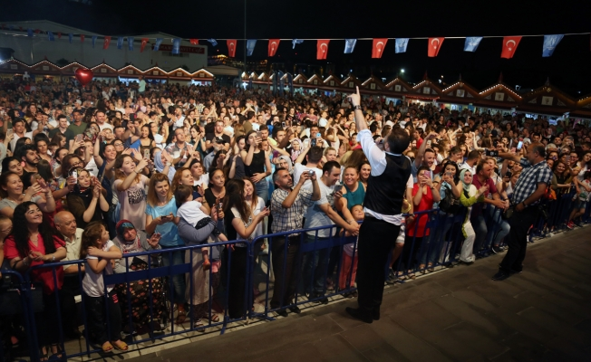 Göçmen vatandaşlar festivale damga vurdu