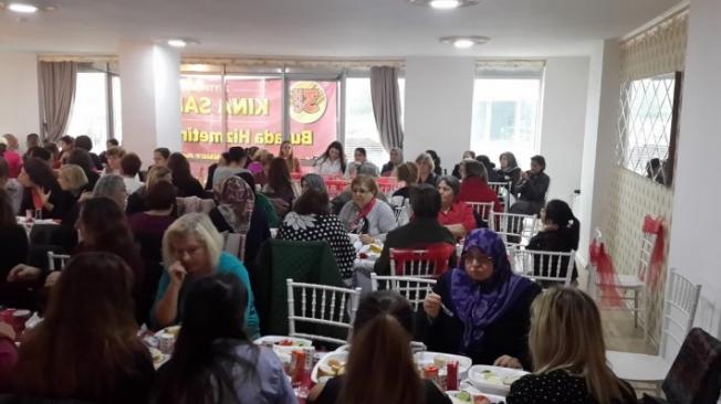 CHP Yeşiltepe Mahalle Komitesi Şiddet Gören Kadınları Unutmadı !