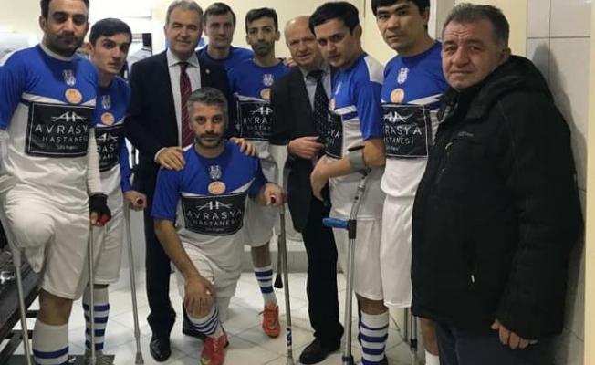 CHP Milletvekili Turabi Kayan Ampute Futbol Takımını konuk etti