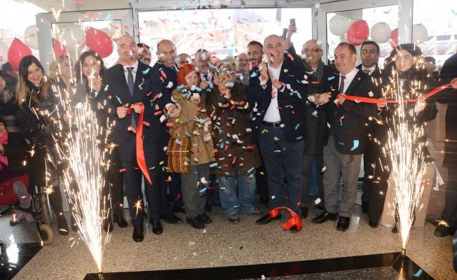 CHP Başakşehir Seçim Koordinasyon Merkezi Görkemli bir törenle açıldı