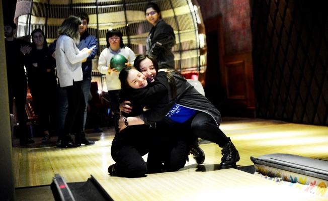 Özel çocukların Bowling heyecanı