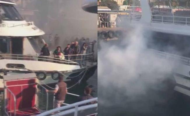 İstanbul'da yolcu teknesinde yangın!