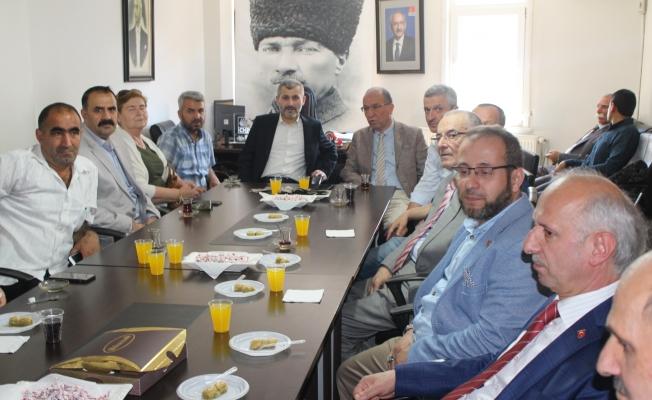 Saadet Partisi CHP ile Bayramlaştı