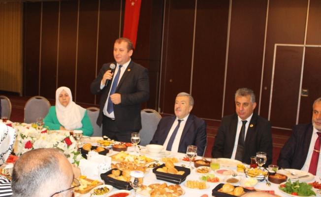 Muhtarlardan İstanbul Emniyet Müdürüne 15 Temmuz Plaketi