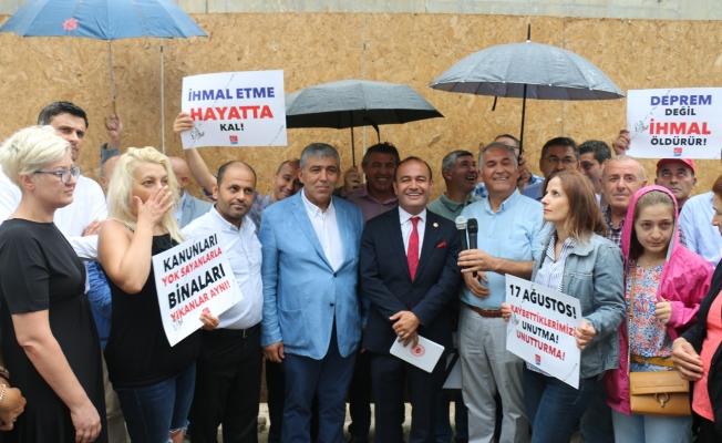 Milletvekili Özgür Karabat 20. Yılında Marmara  Depremini unutmadı