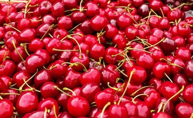 Yaz meyveleri faydaları ile şaşırtıyor! Yatmadan önce 10 tane kiraz yerseniz...
