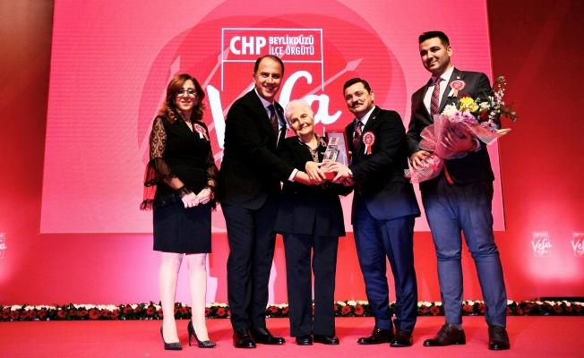 CHP 4.Vefa Ödülleri Sahiplerini Buldu