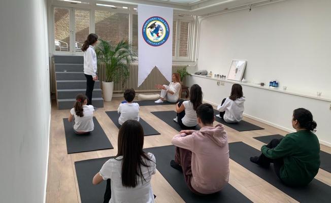 Dünya'da ilk ve tek uluslararası geçerli yoga sertifikası IYEC dünyaya yayılıyor