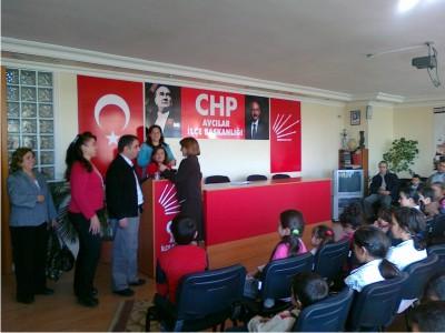 CHP Avcılar Kadın Kolları 60 Çocuk Sevindirdi