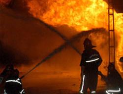 Tuzla'daki yangın korkuttu