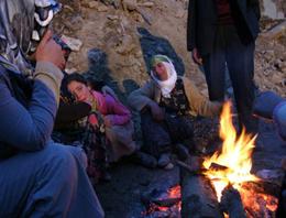 Elazığ'da insanlık da enkaz altında