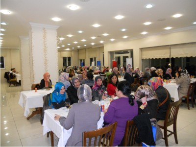 Eğitim-Bir-Sen, Bayan Üyelerini Yemekli Toplantıda Buluşturdu