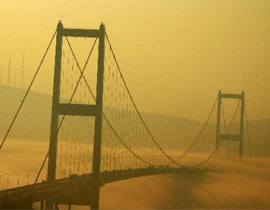 Yoğun sis İstanbul'u vurdu