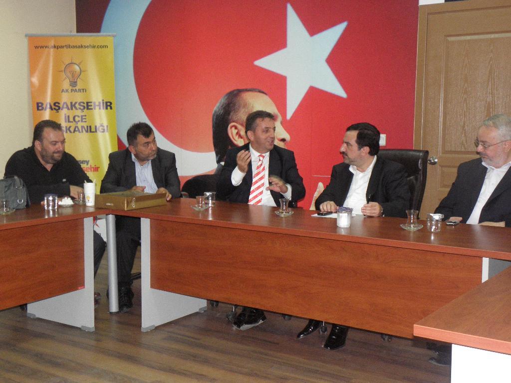 TRABZONLULAR DERNEĞİNDEN  AK PARTİ'YE ZİYARET