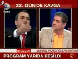 Vakit ve Cumhuriyet gazetesi yazarları küfürleşti
