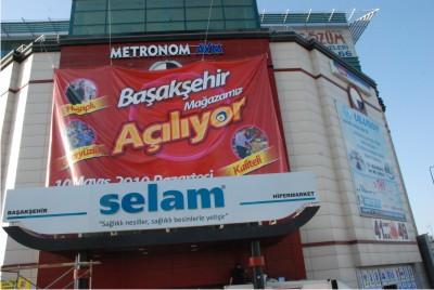 Başakşehir'e selam Geliyor