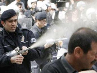 Bayram Meral'e biber gazı