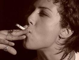 Sigarada yasak satışları azalttı