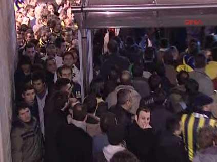 İstanbul'da metrobüs eziyeti