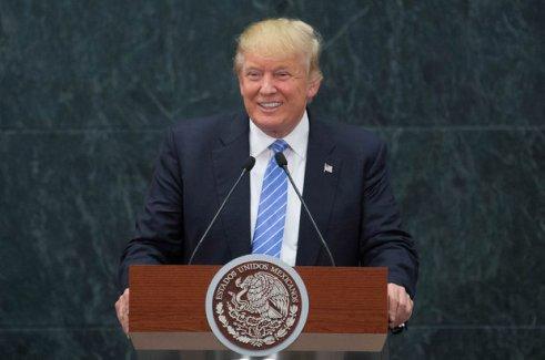 """ABD Başkan adayı Donald Trump, Meksika'da da """"duvarı"""" savundu"""