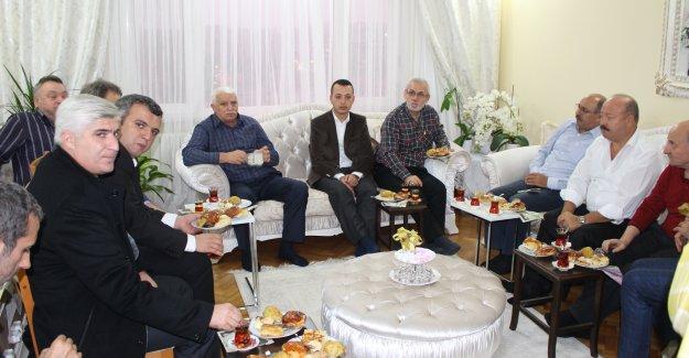 Ak Partili vekil adayı Buğra Babur ev ziyaretinde