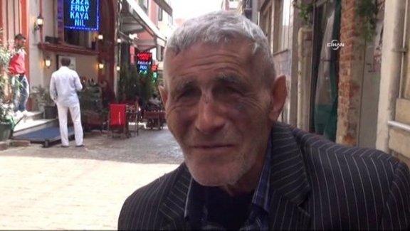 Altın Portakal ödüllü sanatçı Ömer Ekmekçi kağıt mendil satarak geçiniyor