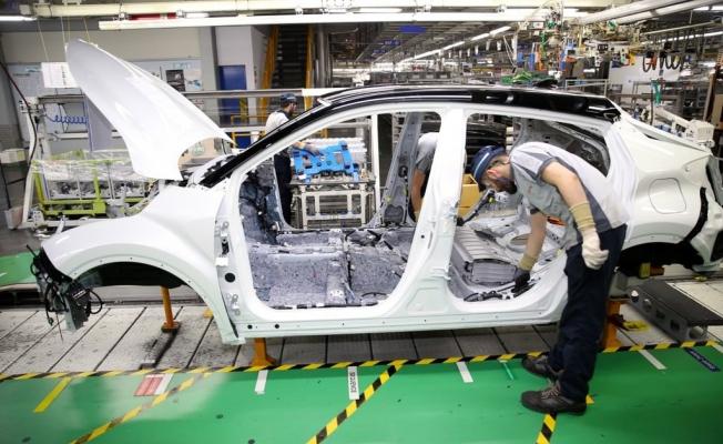 Türkiye'de üretilen ilk hibrit otomobil: Toyota CH-R