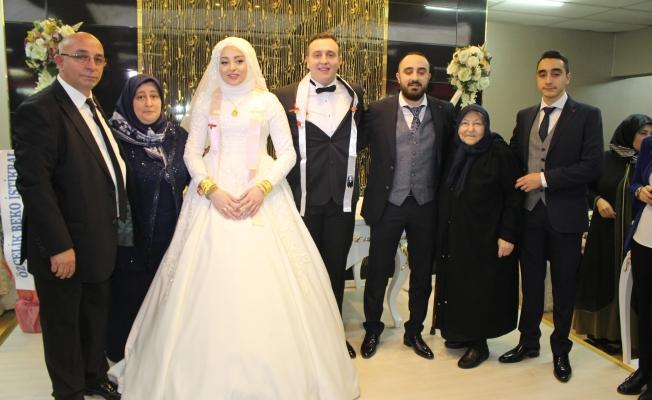 Buse ve Ali 'ye Görkemli Düğün