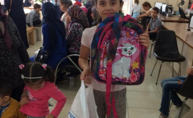 Suriyeli iş adamlarından Suriyeli öğrencilere yardım